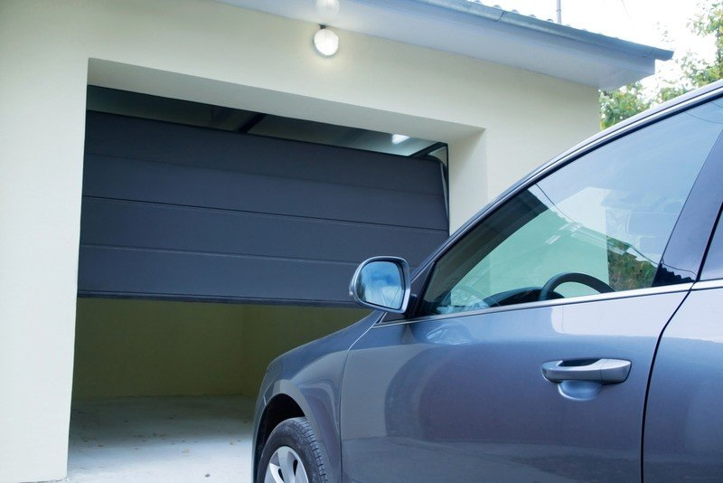 How to Manage Garage Door Repair in Torrance CA2