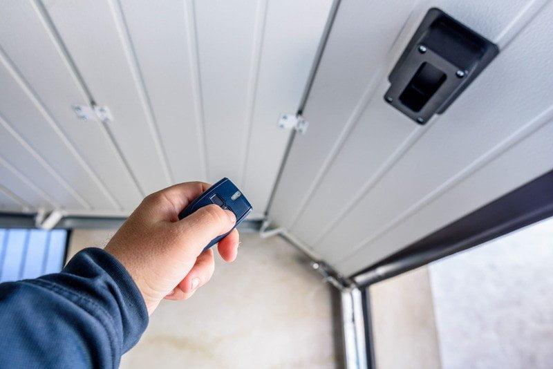 Simple Steps for Garage Door Repair in Los Angeles